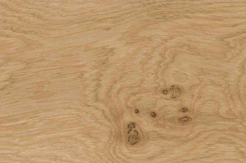 W002 - Knotted Oak