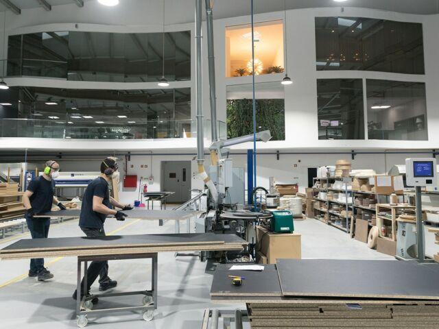 Interior da fábrica Novibelo