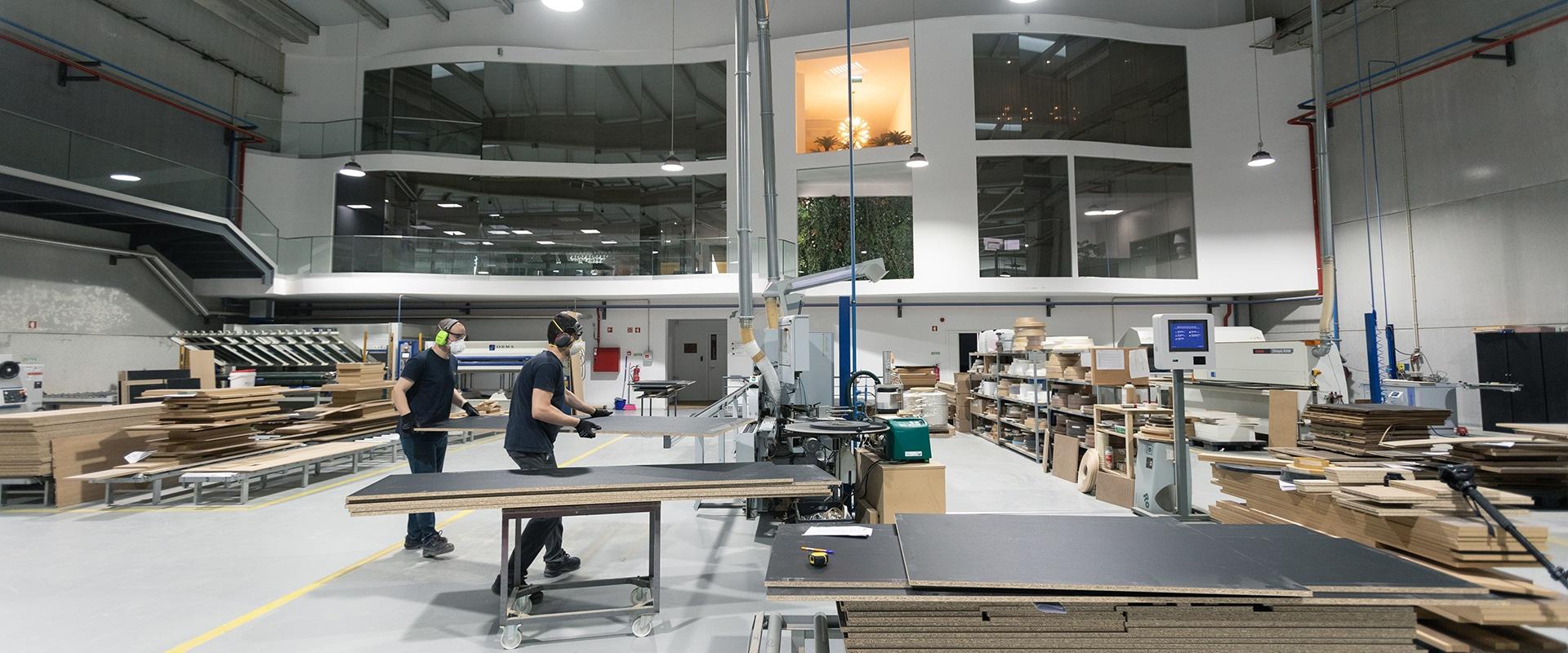 Dentro de la fábrica Novibelo